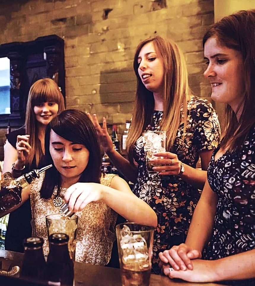 hire byron bay bartenders