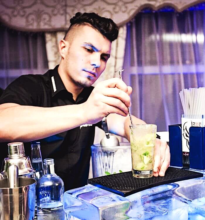 hire cocktail bartender Newcastle